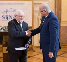 Starosta obce byl oceněn Senátem Parlamentu ČR zadlouholetou službu proobec